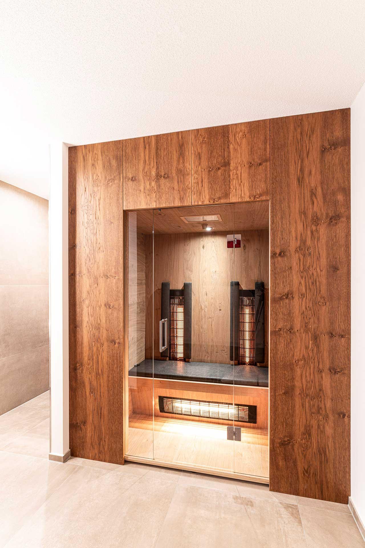 Holzverbau Infrarot Wärmekabine